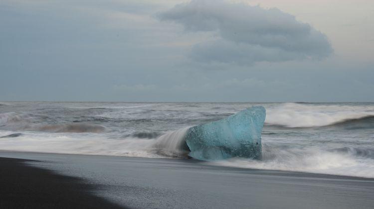 Jökulsárlón Glacier Lagoon & Diamond Beach Tour