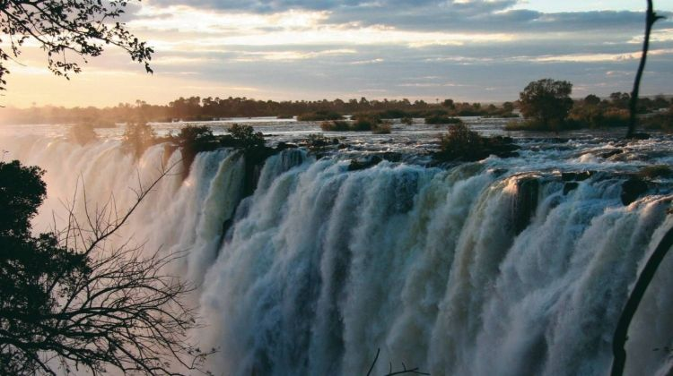 Kruger to Victoria Falls in Comfort