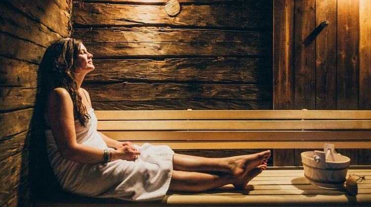Lakeside Sauna and Northern Lights Experience