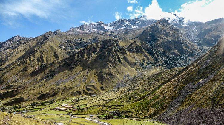Lares Trek to Machu Picchu: 4-day Group Tour