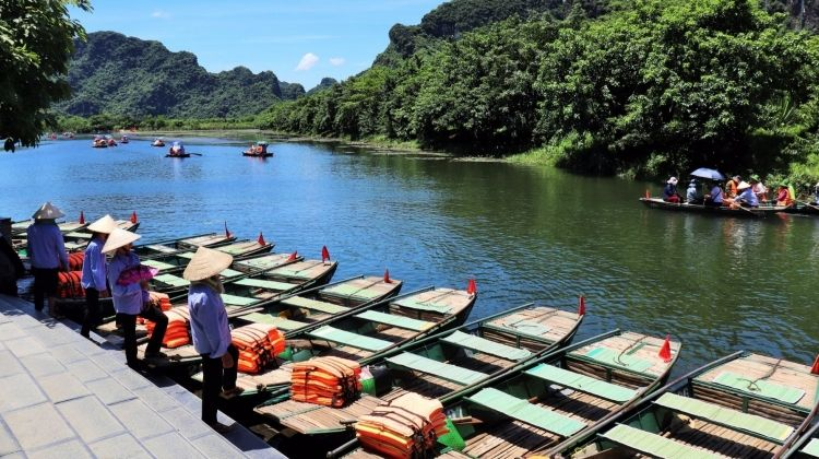 Lonely Planet Experiences Private Hanoi Tour: Citadels, Karsts & Cycles in Ninh Binh