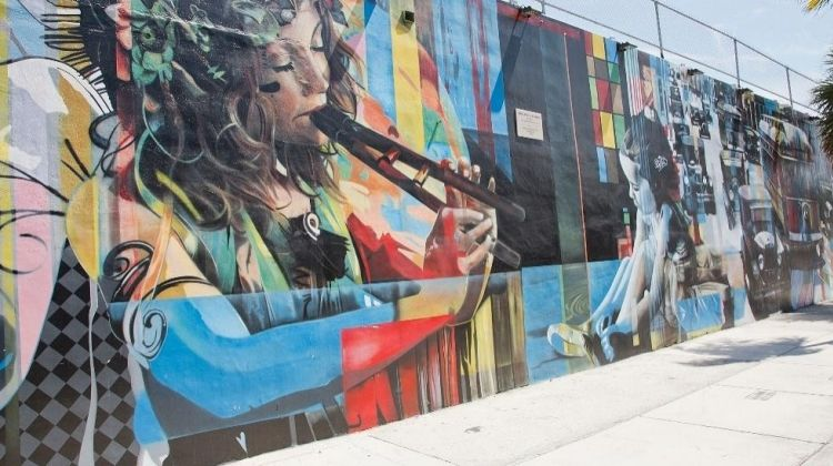 Lonely Planet Experiences: Wynwood Art & Beer
