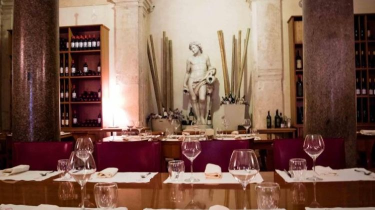 Luxury Dinner with Paired Wine Tasting near the Pantheon