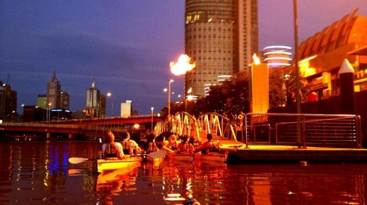 Melbourne Kayak Tours: Discover the City at Night