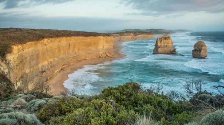 Melbourne, Outback & Uluru Adventure — Plus