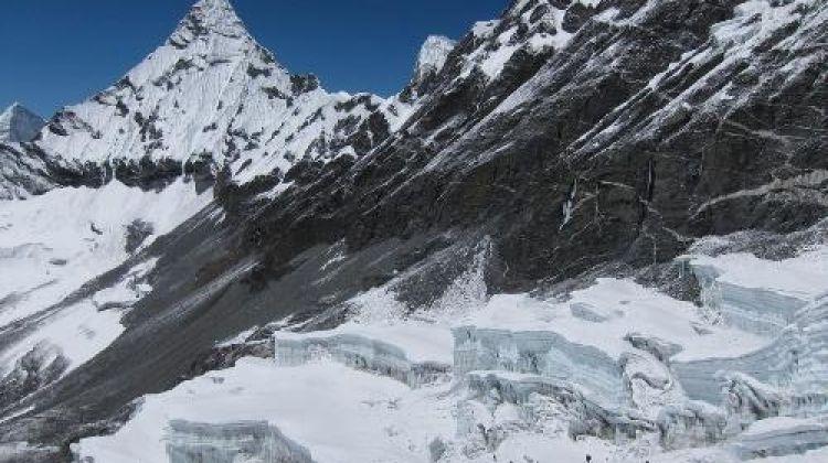 Mera & Island Peak via Amphu Labsta