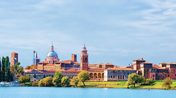 Milan and Lake Como & cruise from Renaissance-infused Mantua to the Canals of Venice (port-to-port cruise)