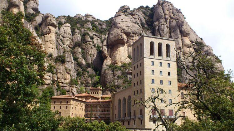 Montserrat afternoon tour with Cog-Wheel Train