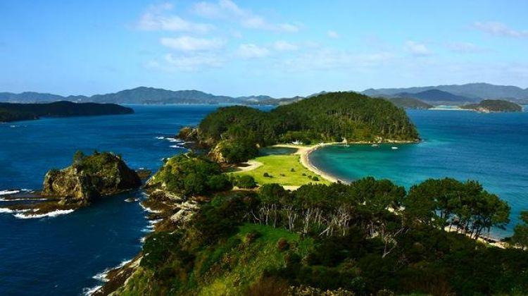 New Zealand–North Island Encompassed