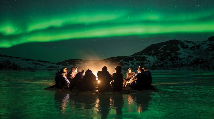 Northern Lights Chase by Minibus