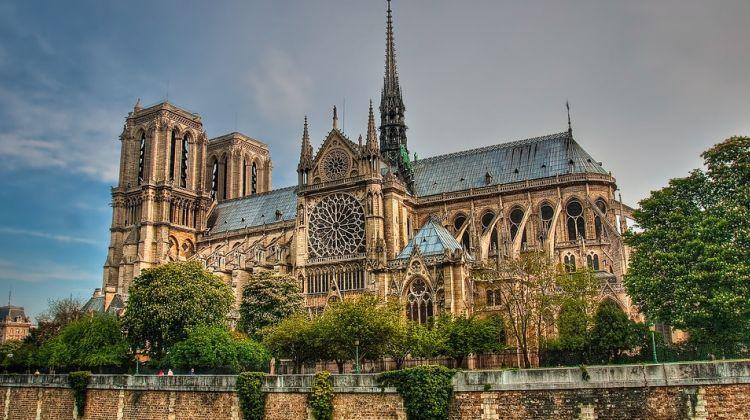 Notre-Dame Tour