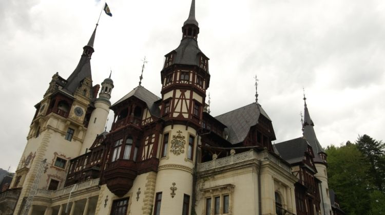 One Day Tour from Bucharest: Brasov and Peles Castle