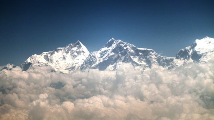 One-hour mountain flight over Everest
