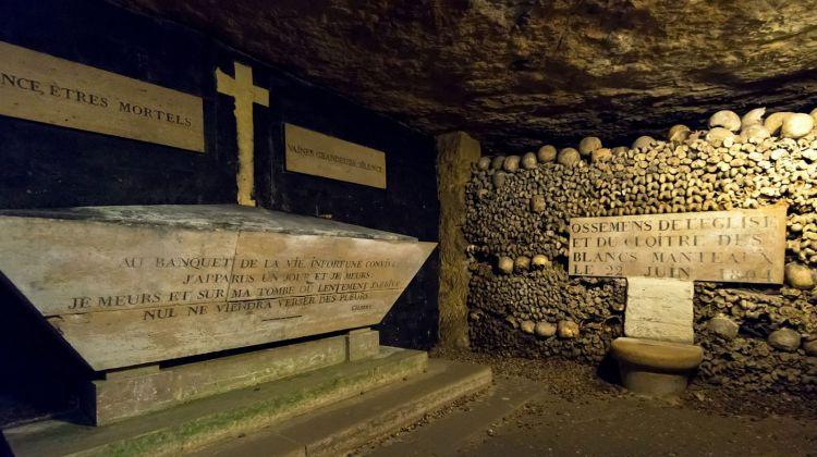 Paris catacombs : skip-the-line tour
