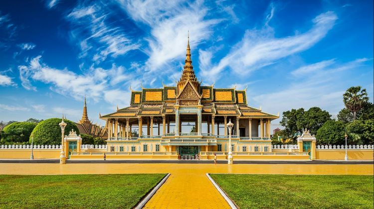 Phnom Penh Small Group City Tour