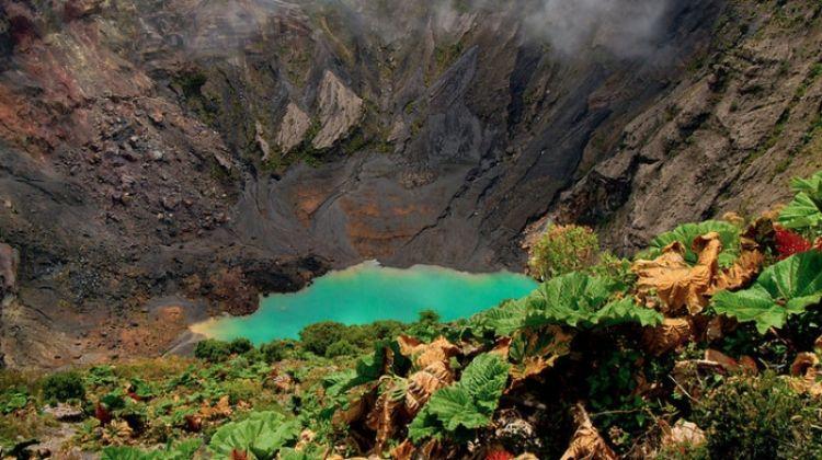 Private Cartago Highlights, Irazu Volcano & Hot Springs