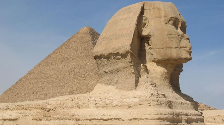 Private day tour to Giza and Old Cairo