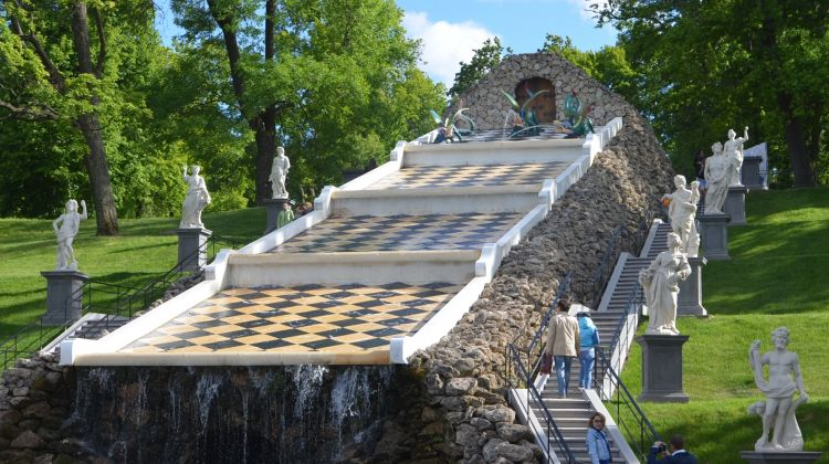 Private Day-Trip by Hydrofoil: Peterhof Parks and Palaces