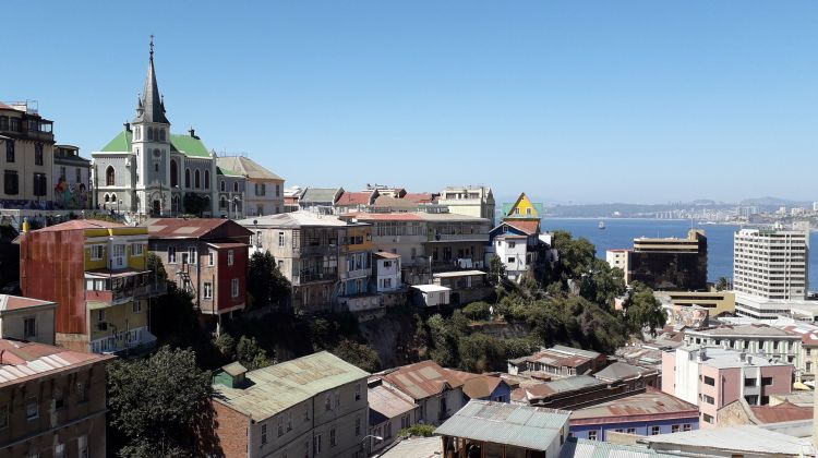 Private Full-Day: Valparaiso, Vina del Mar & Winery