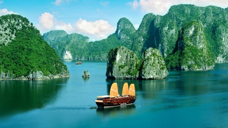 Private Halong Bay Full Day Tour