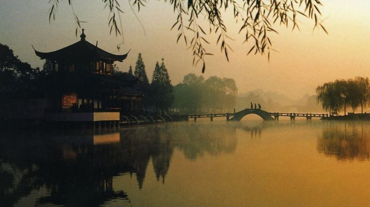Private Hangzhou Day Trip From Shanghai by Bullet Train