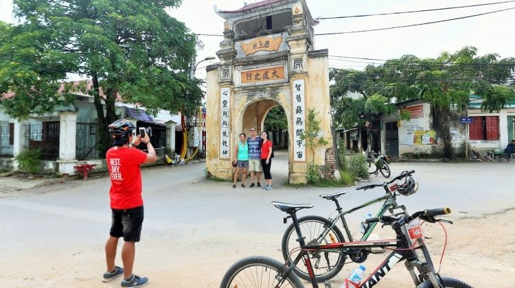 Private Hanoi: Hanoi's Outskirts Discovery By Bike