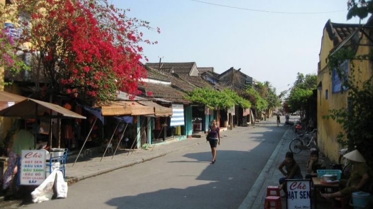 Private Hoi An: Walking Tour & Cooking Class
