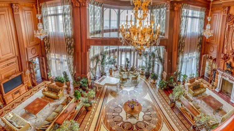 Private Tour to the Mezhyhirya Residence