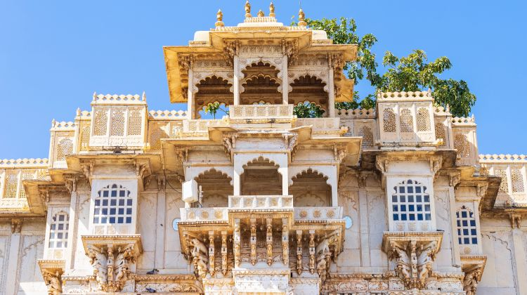Private Udaipur Sightseeing Tour