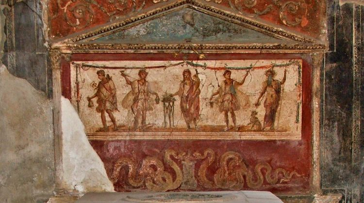 Private walking tour of pompeii