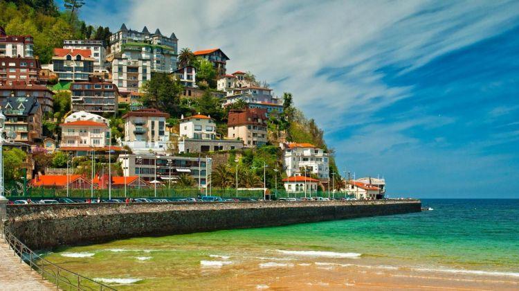San Sebastián & Biarritz Full Day Tour