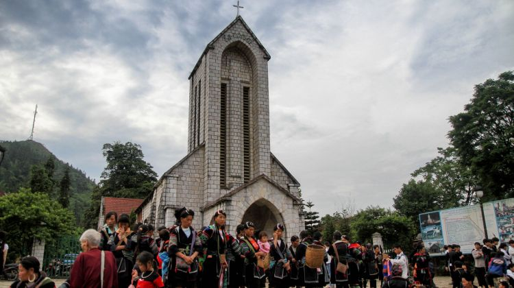 Sapa - Bac Ha Market Tour - 3 Days