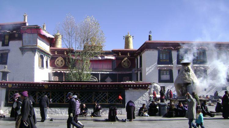 Shangri-La Tour of Tibet