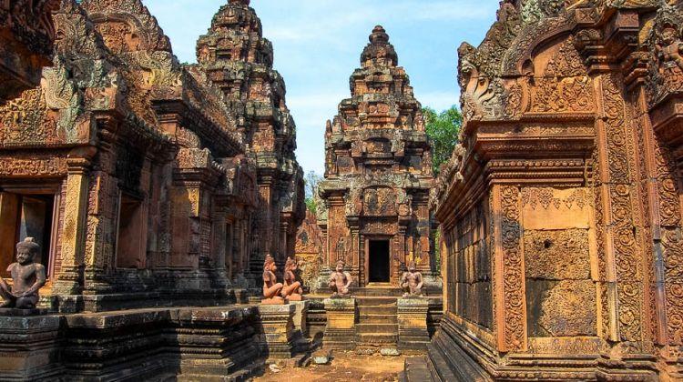 Siem Reap, Banteay Srey, Beng Melea and Kbal Spean Tour