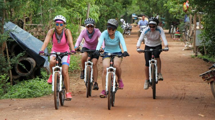 Siem Reap to Phnom Penh Cycling Trip