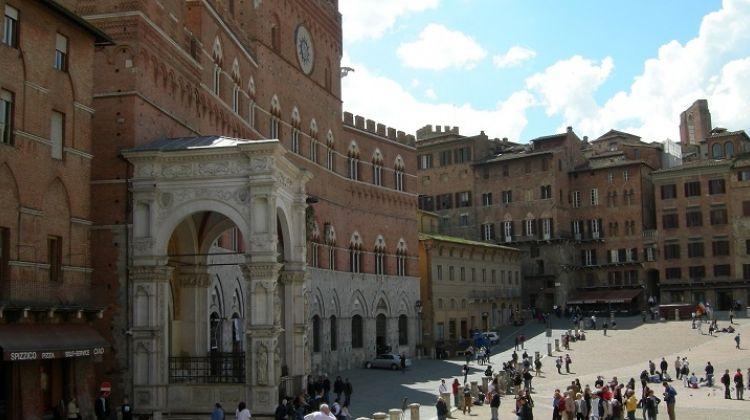 Siena, S.Gimignano & Greve in Chianti + Wine Tasting