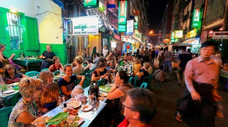 Sightseeing Tour of Yangon at Night