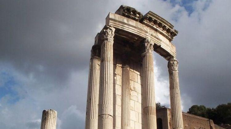Skip The Line: Colosseum, Roman Forum & Palatine Hill