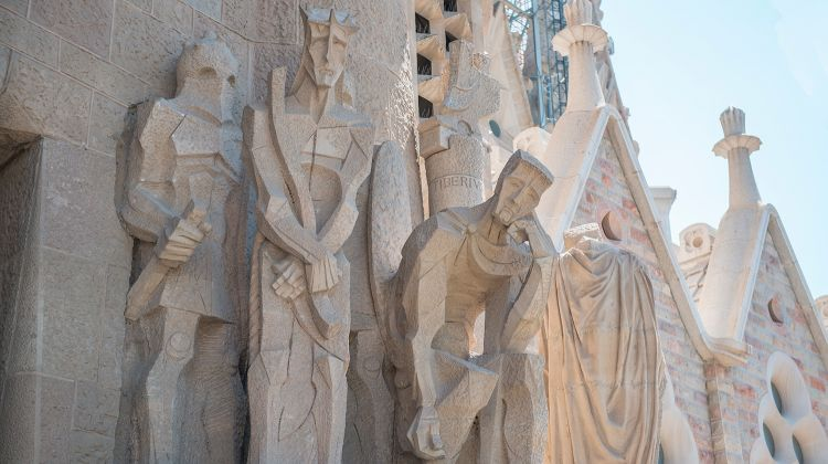 Skip-the-Line: Guided La Sagrada Familia Tour