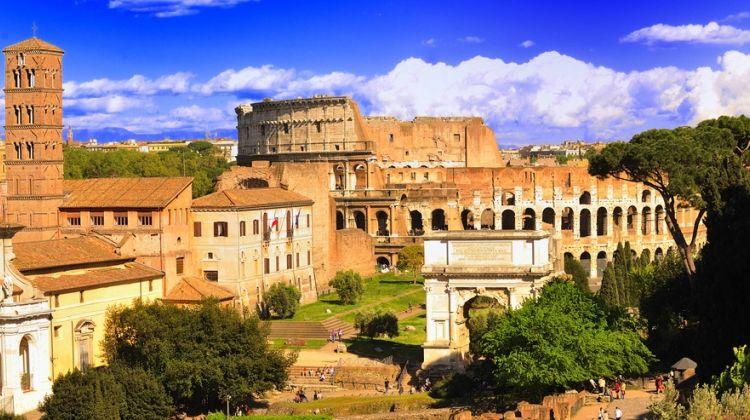 Skip-the-Line Ticket Private Colosseum & Roman Forum Tour