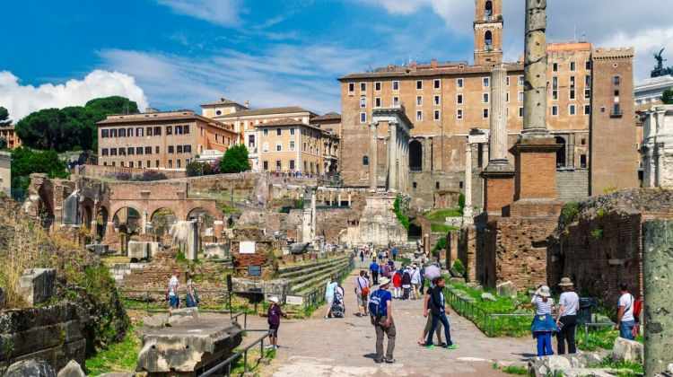 Small Group: Ancient Roman Palaces & Colosseum
