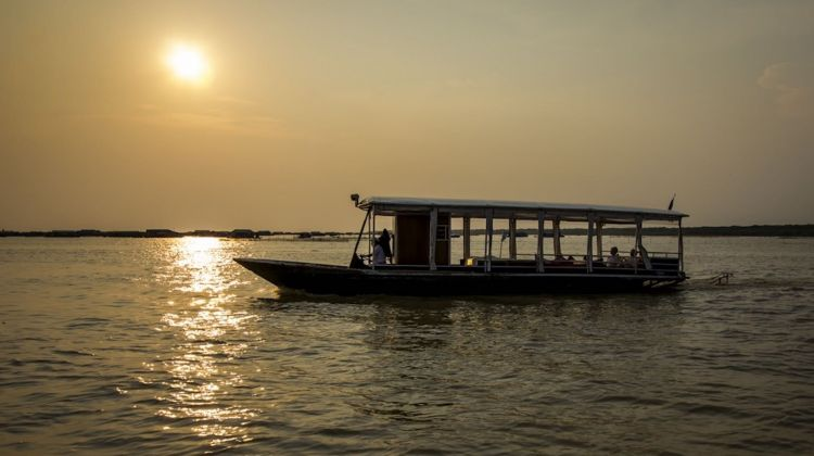 Small Group Sunset Cruise on Tonle Sap Lake with canape