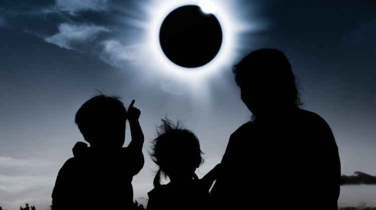 Solar Eclipse Journey: Lakes, Glaciers & Falls