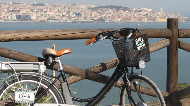 South Lisbon: Electric Bike Tour