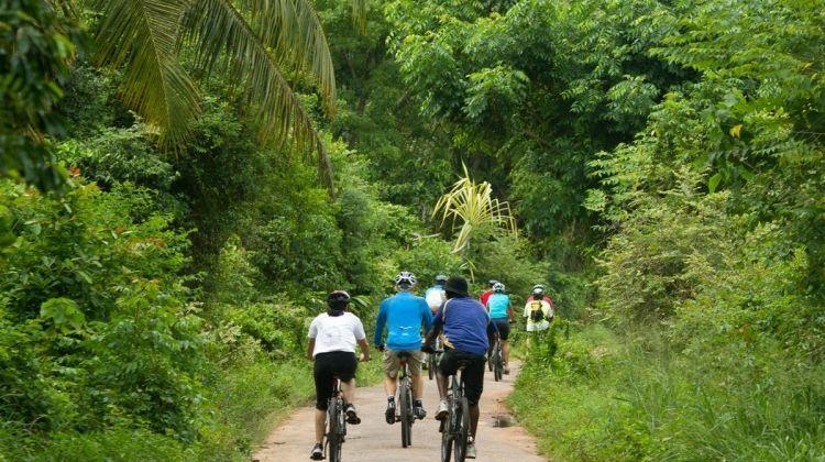Sri Lanka Heritage by Bicycle