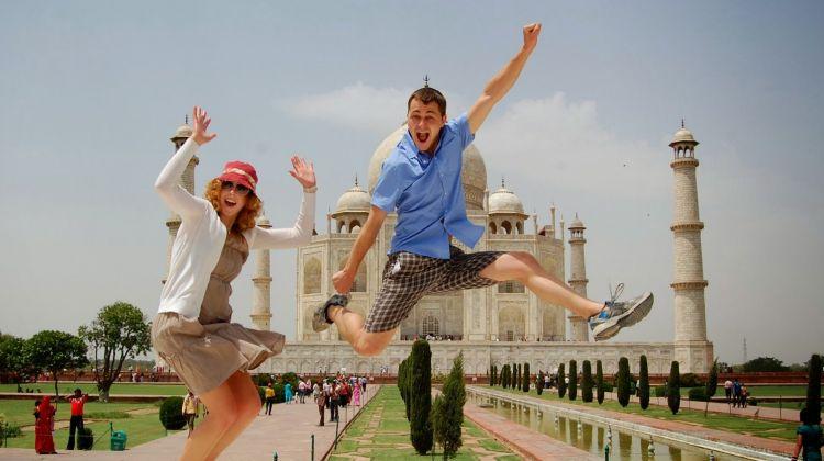 Taj Mahal Tour & Special Moonlight Tickets