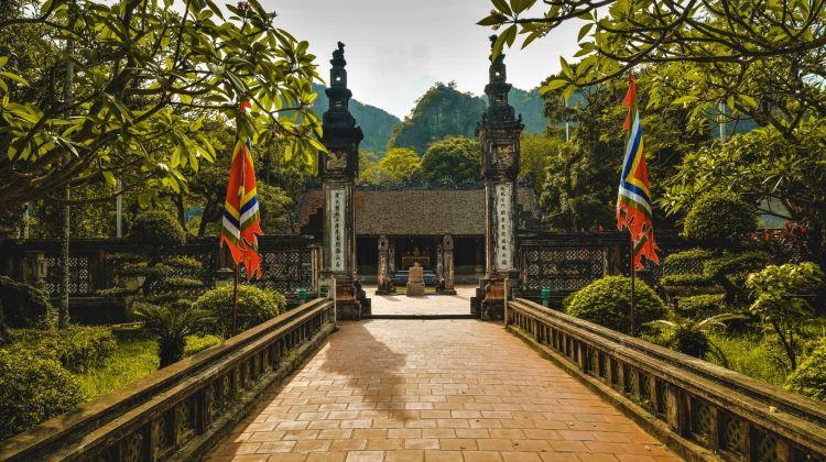 Tam Coc & Hoa Lu Day Tour From Hanoi