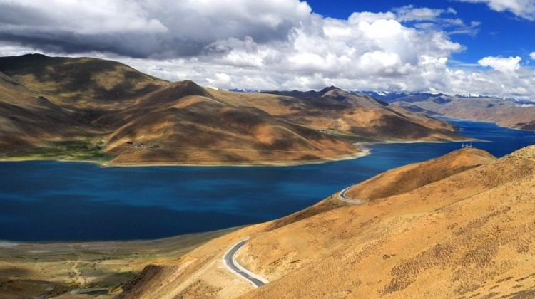 Tibet Tour & Yamdrok Lake Homestay