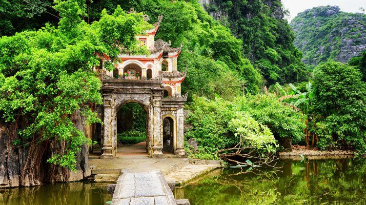 Trang An & Bich Dong Pagoda Day Tour