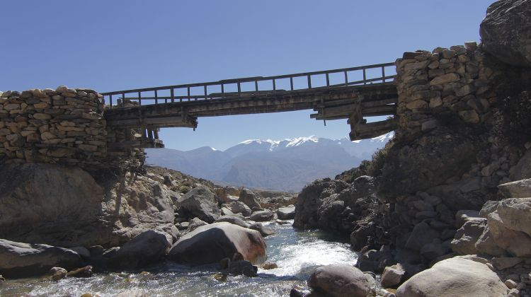Upper Mustang - Trails of the Nomad Kingdom